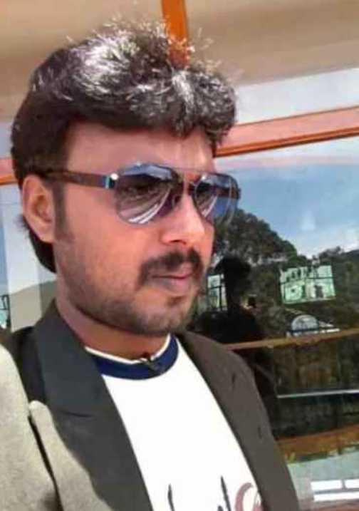 Actor Aadhavan images