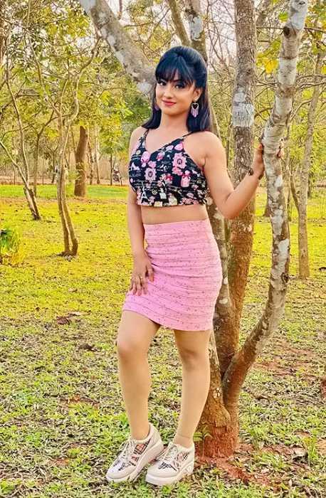 Riya Dey photos