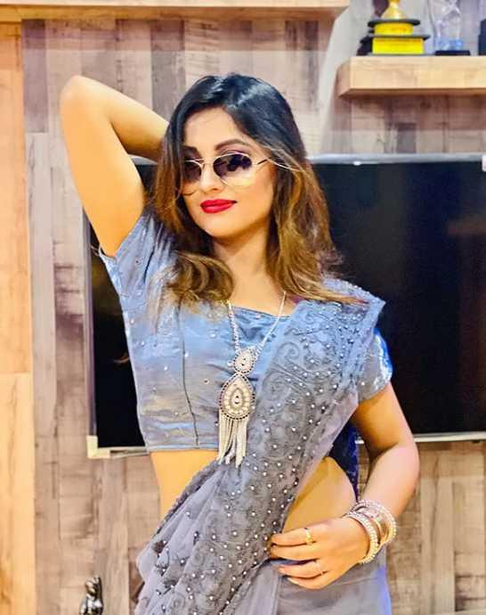 Riya Dey Sharee photos