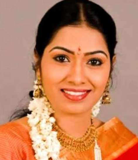 Serial actress Shilpa wiki Biography DOB serials images