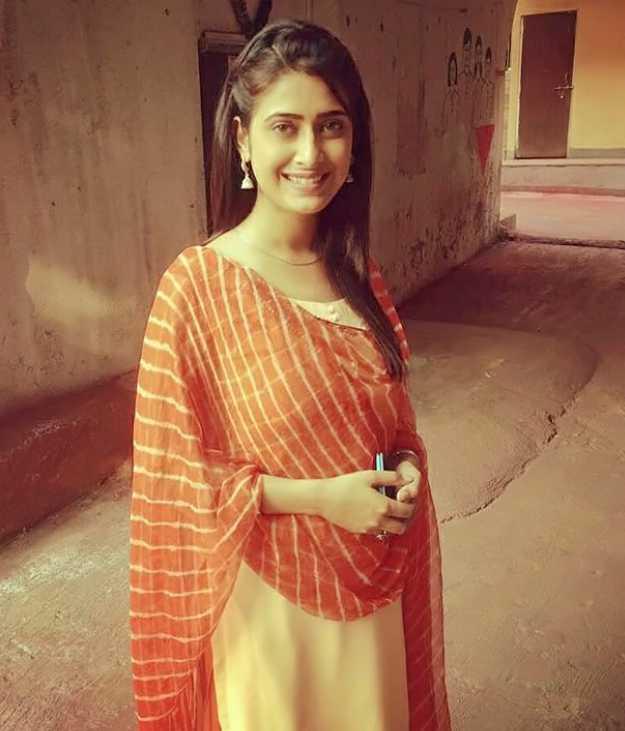Preetika Chauhan photo