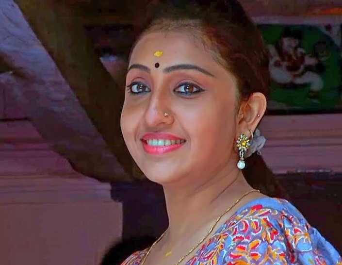 Nithya Das images