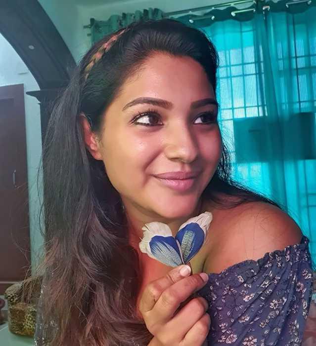 Sharanya Turadi Sundaraj new pics