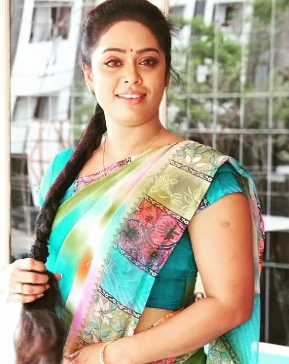 Devi Priya photo