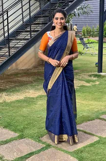 Pavithra photos