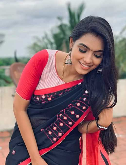 Pavithra pic