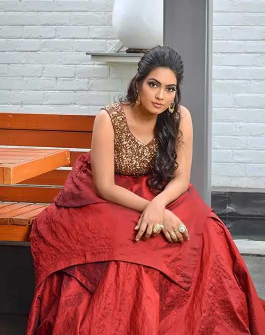 Pavithra pics