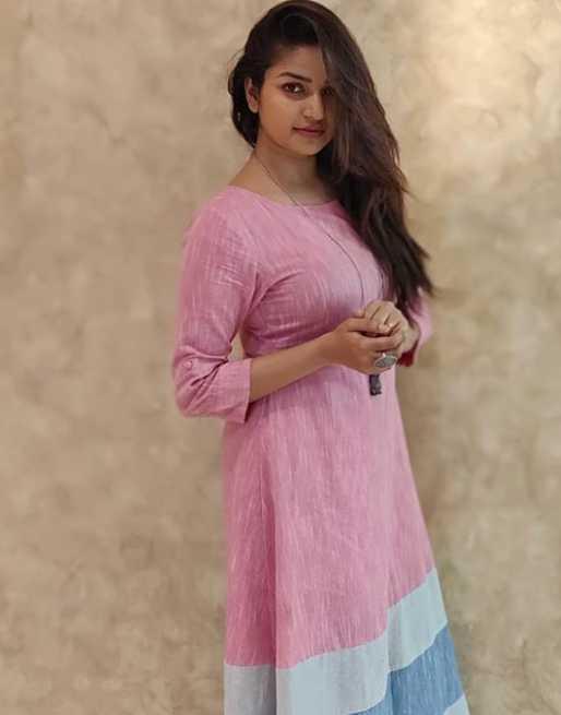 Nithya Ram photo