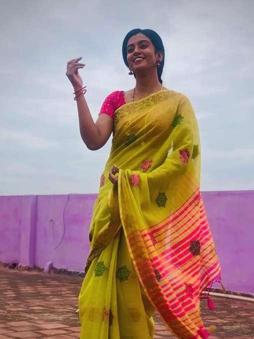 Roshni Haripriyan images
