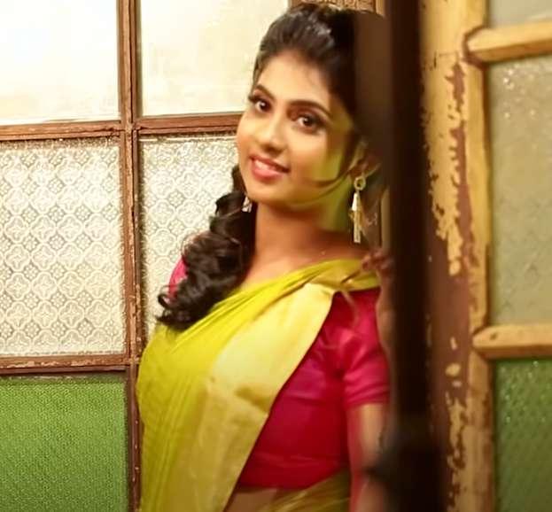 Actress Vismaya wiki Biography DOB Education images