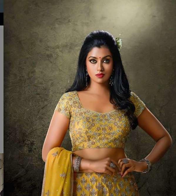 Roshni Haripriyan pic