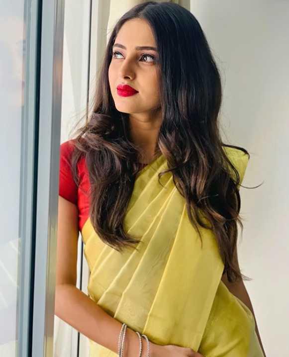 Ayesha new pics