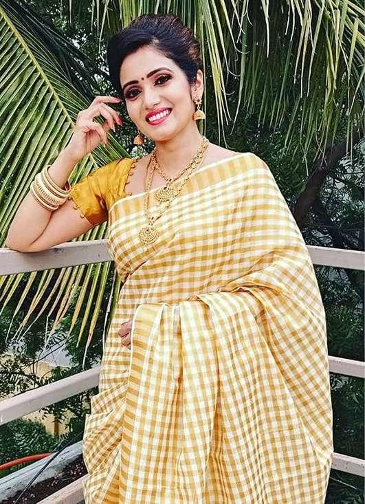 Srithika images