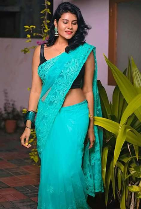 Srithika photo