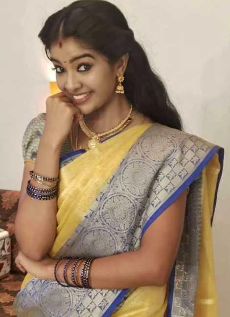Monisha Arshak images