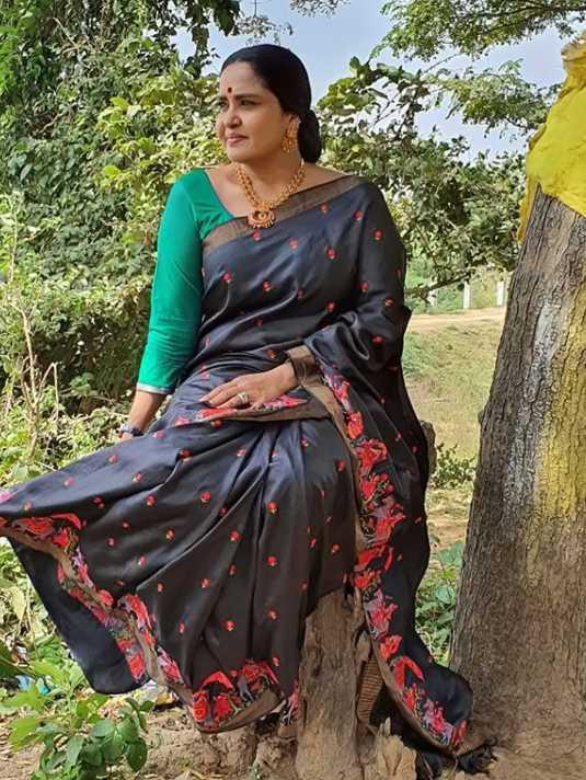Pragathi Mahavadi images