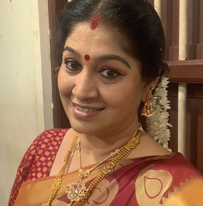 Sri Vidhya Shankar photo