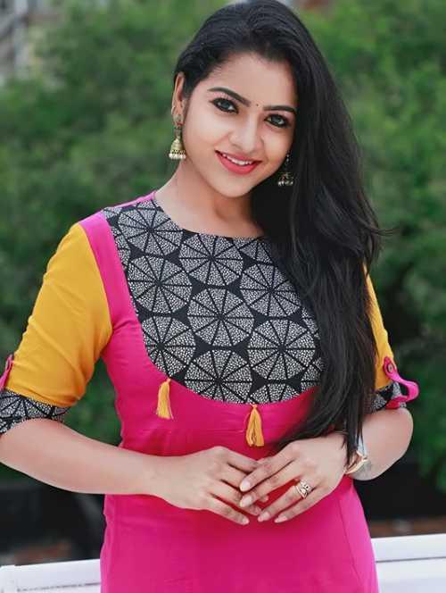 VJ Chitra photos