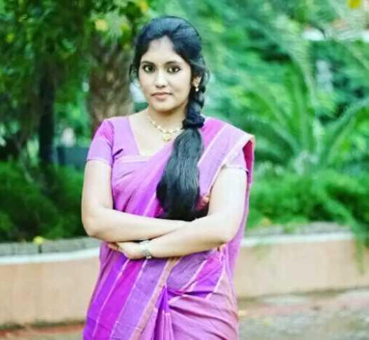 Shruthi Shanmuga Priya images