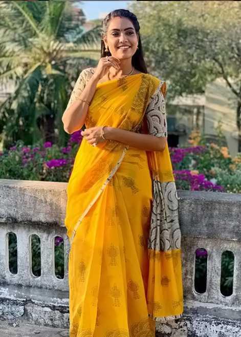 Pavithra Janani photo