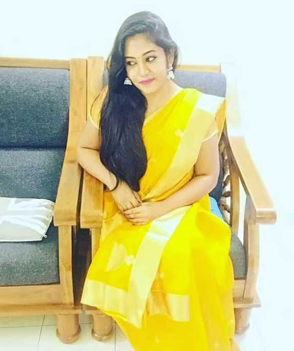 Shruthi Shanmuga Priya photos