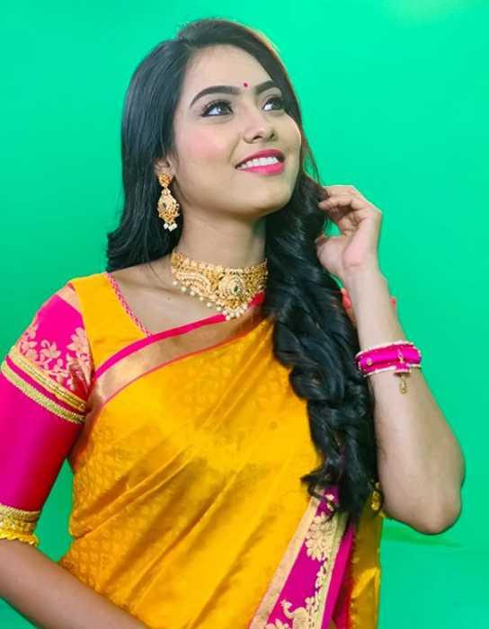 Pavithra Janani pics
