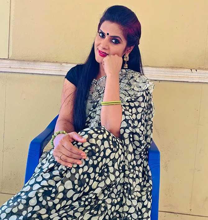 Meena Vemuri new pics
