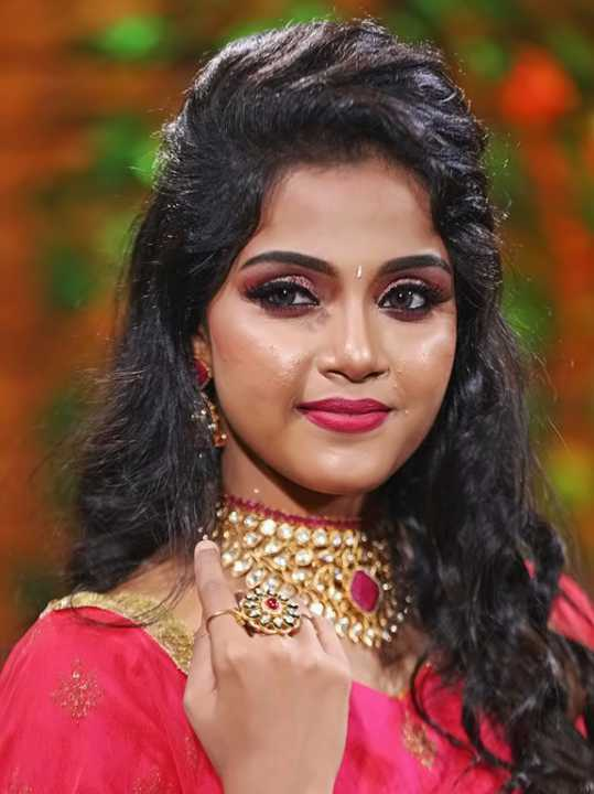 Vaishali Thaniga wiki Biography DOB Height Serial images