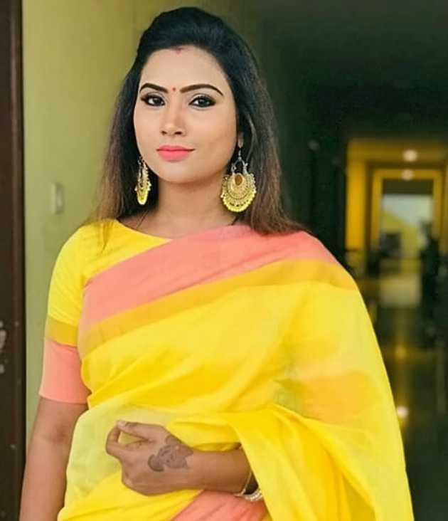Myna Nandhini pic