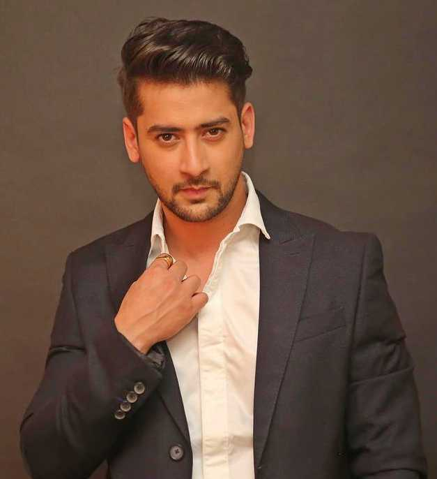 Paras Arora wiki Biography DOB Height Serial images