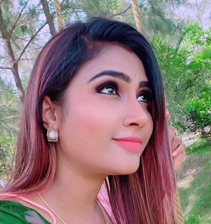 Myna Nandhini images