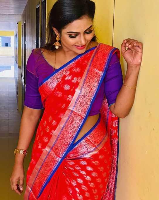 Myna Nandhini image
