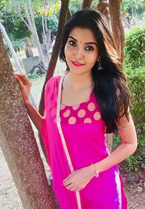 Madhuri jain wiki Biography DOB Height images photos