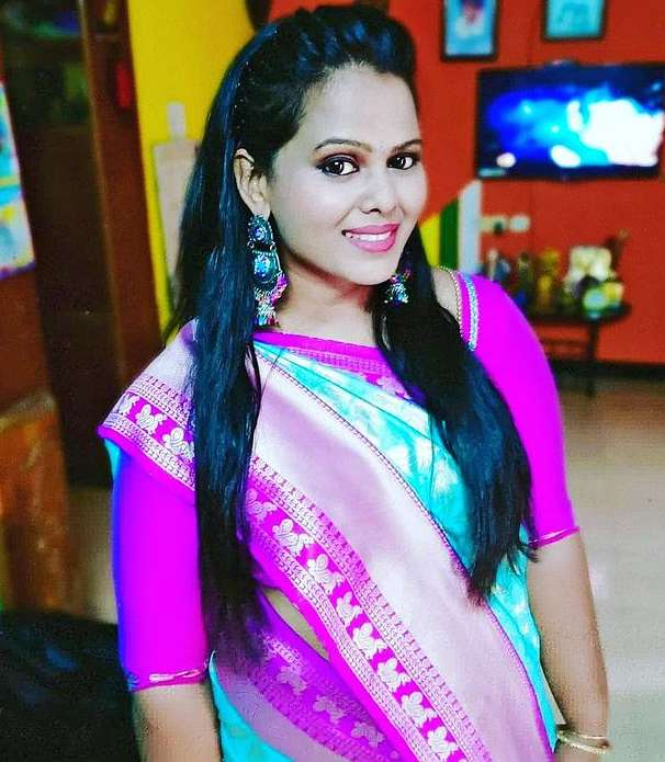 Minnal Deepa photo