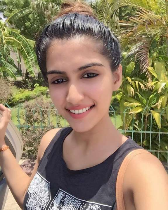 Prachi Singh wiki Biography DOB Height Weight images