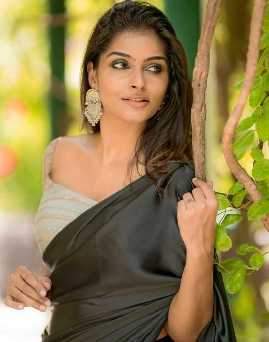 Subalakshmi Rangan wiki Biography DOB Height Serials images