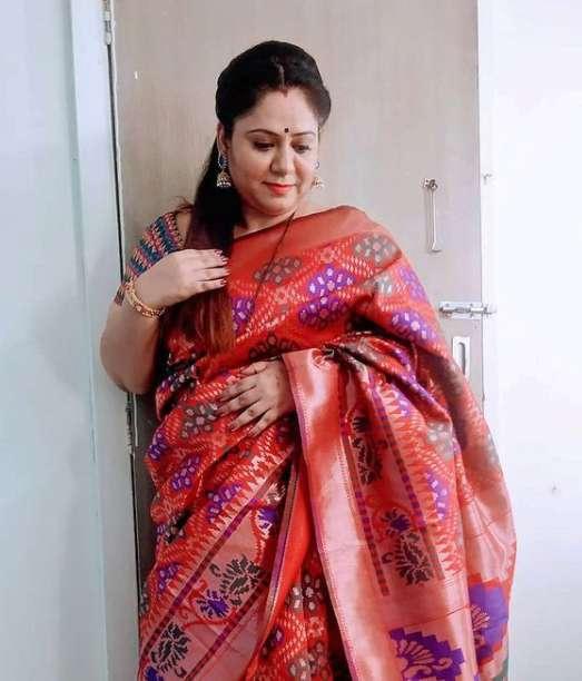 Saniya Nagde images