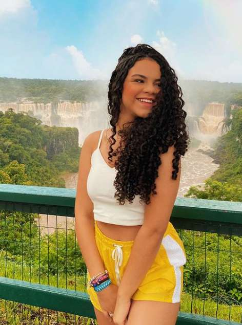 Becca Oliveira pic