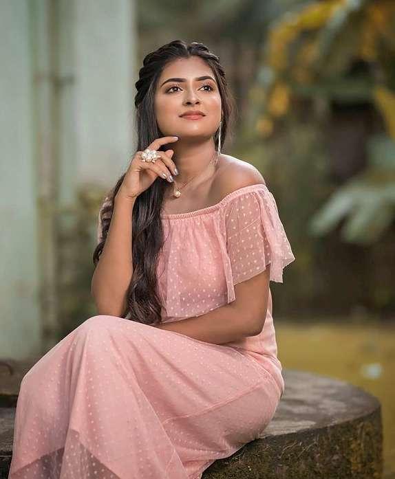 Parvathy Arun photos