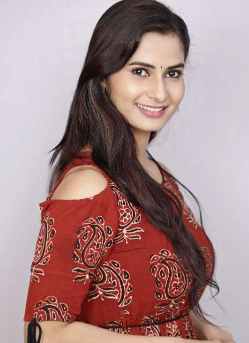 Shruti Shivanagowda wiki Biography DOB Height Net Worth images
