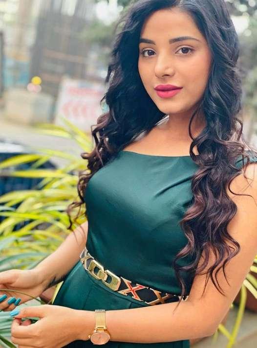 Anushka Srivastava photos