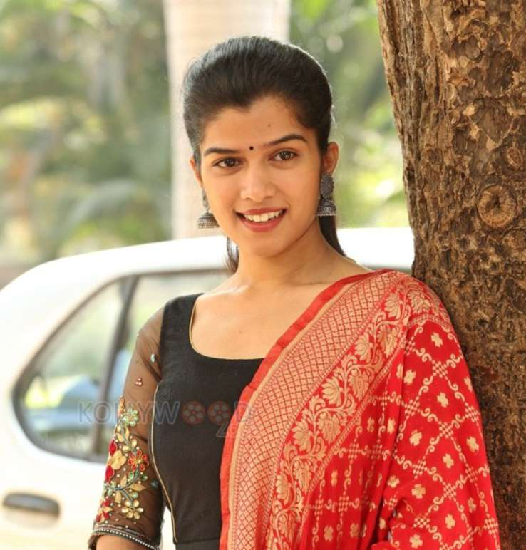 Tamil actress Mahima wiki Biography DOB Height Family Net Worth