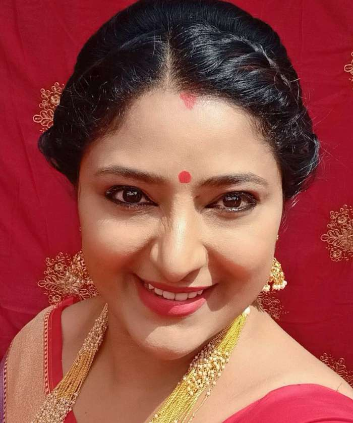 Serial actress Praveena wiki Biography DOB Height Net Worth images