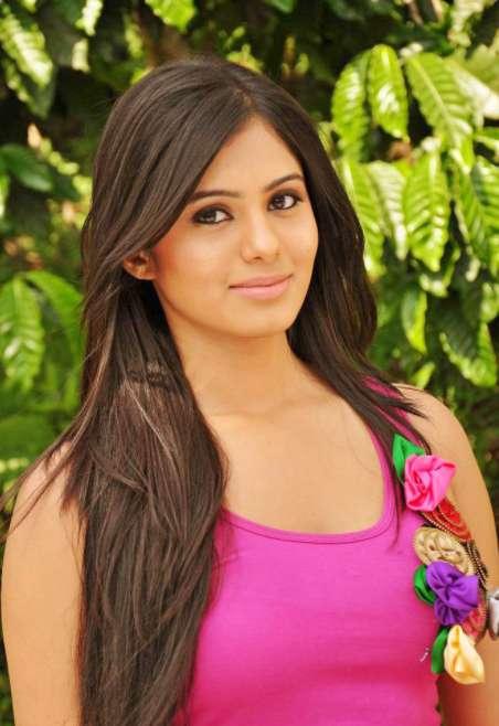 Deepa Sannidhi wiki Biography  DOB Height Net Worth images