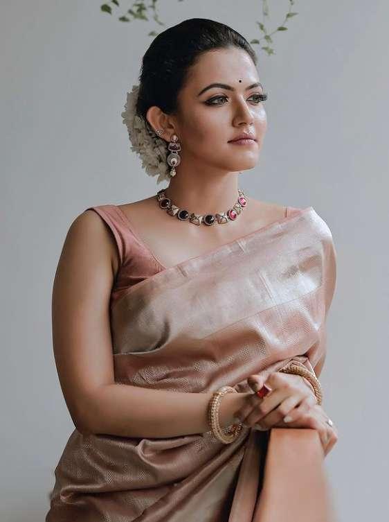 Aparna Das photo