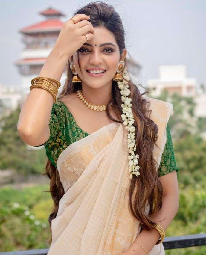 Athulya Ravi photo