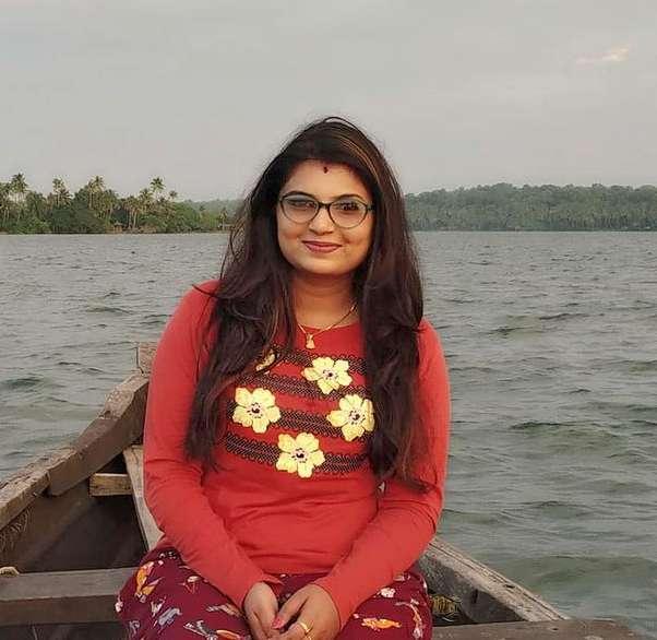Tejaswini Gowda pic