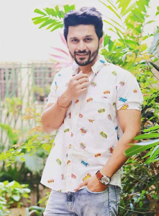 Gaurav Ghatnekar photos