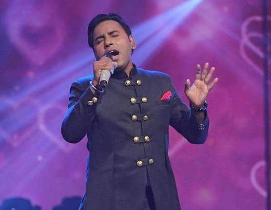 Singer Sonu Gill wiki Biography Height Net Worth images