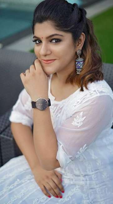 Aparna Balamurali photo